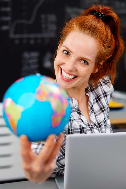 Licenciatura en Idiomas mujer y mundo