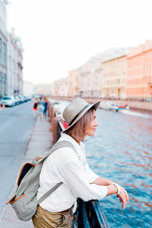 Licenciatura en Turismo mujer en venecia
